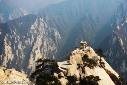 華山景點:東峰