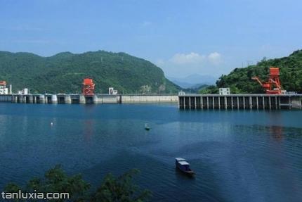 清江畫廊景點:隔河巖大壩