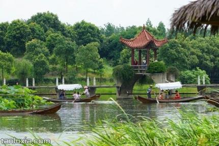 汈汊湖游樂園景點:泛舟汈汊湖