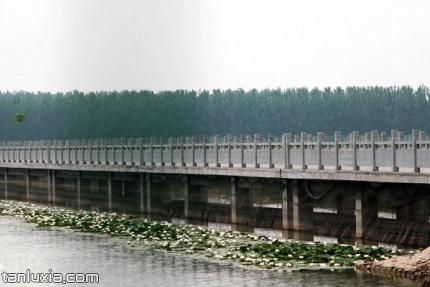 章丘白云湖景点:刘郎中陂分洪闸