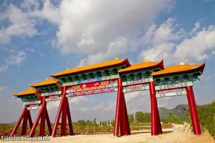 棋山国家森林公园景点:棋山森林公园牌坊