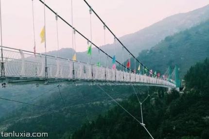 水帘峡景区景点:勇者天桥