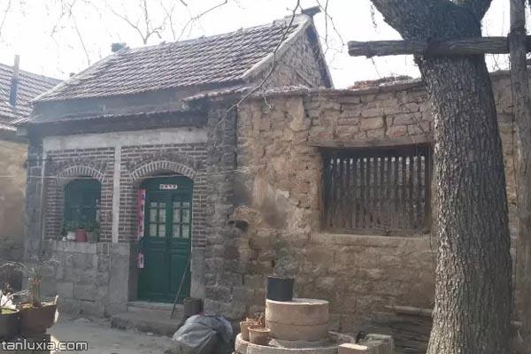 青石关村的石头房子