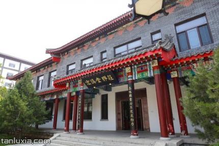 宏濟堂中醫藥文化産業園景點:宏濟堂膠莊