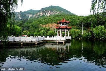 章丘三王峪景區景點:月亮湖
