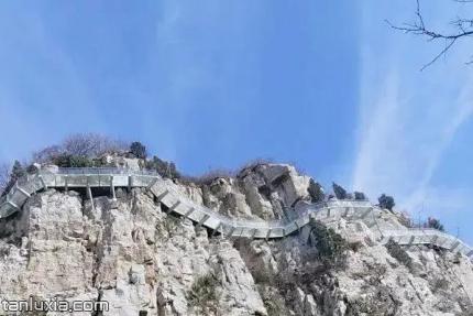 章丘三王峪景區景點:玻璃棧道