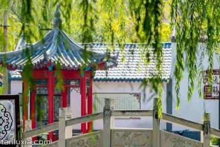 濟南曲水亭街景點:曲水亭