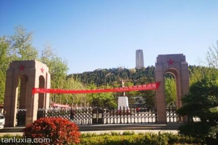 英雄山風景區景點:英雄山大門入口