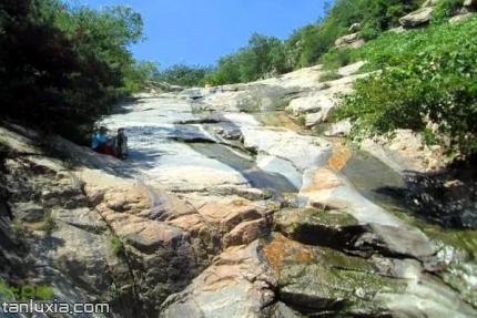 萊蕪彩石溪景區景點:彩石溪