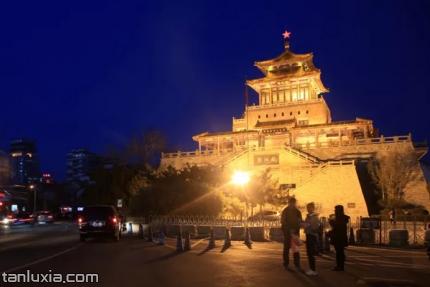 濟南解放閣景點:解放閣夜景
