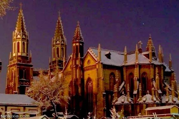 雪中的洪家樓天主堂