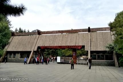 济南森林公园景点:济南森林公园大门