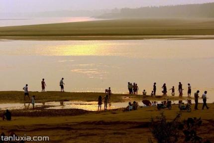 平陰玫瑰湖濕地景點:沙灘