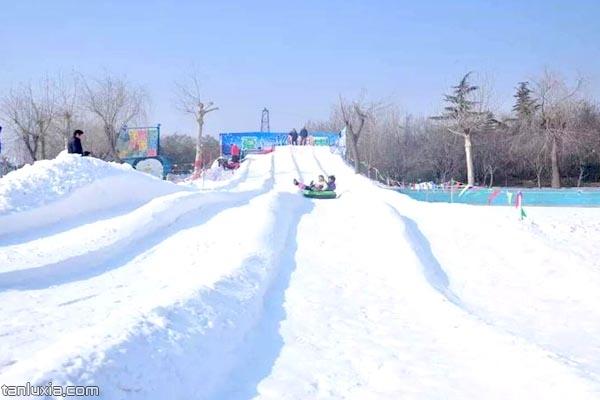 雪地滑道 - 探路侠