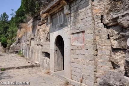 济南子房洞景点:子房洞洞口