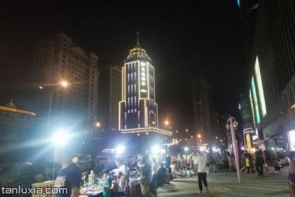 泉城路夜市景点:夜市