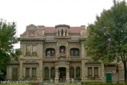 丰大银行旧址景点:丰大银行旧址外景