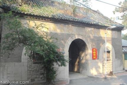 督城隍庙景点:督城隍庙正门