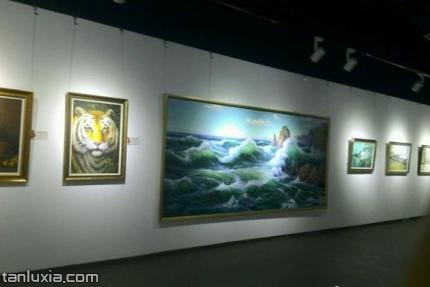 西城时光国际艺术馆景点:画作