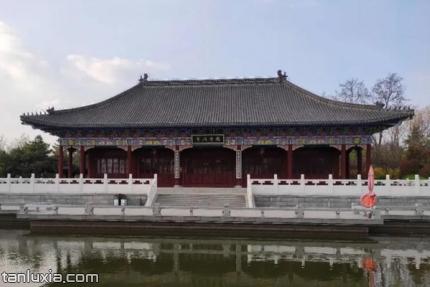青岛国学公园景点:国学讲堂