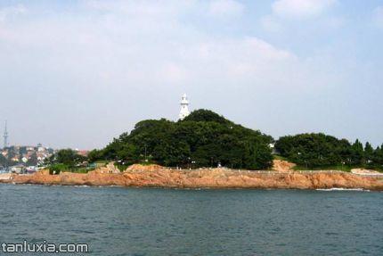 小青岛公园景点:灯塔