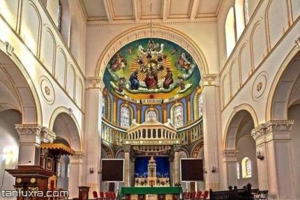 青島天主教堂景點:教堂大廳