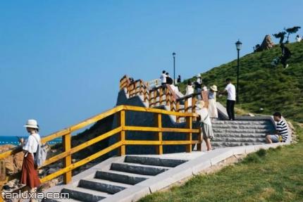 青島小麥島公園景點:木棧道