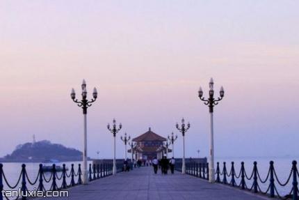 青岛栈桥公园景点:栈桥
