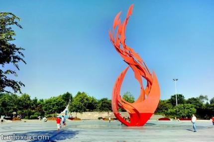 青岛李村公园景点:李村公园雕塑