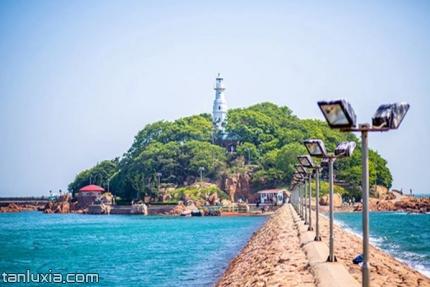 小青島景區景點:小青島的燈塔