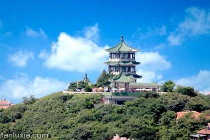 青岛小鱼山景点:碧波亭