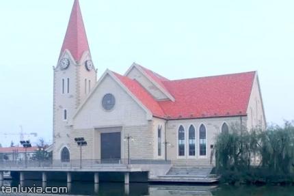 李村基督教堂景点:李村基督教堂外景