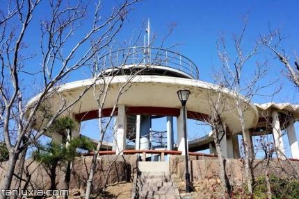 烟墩山公园景点:观景亭廊