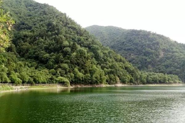 孟達天池,不一樣的美